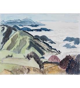 Nebelwolken zwischen Bergen